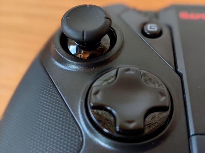 『GameSir G4 Pro』のアナログスティック